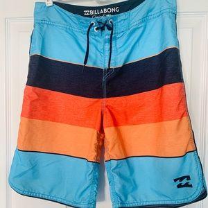 Men's/Boys Billabong Board Shorts 29